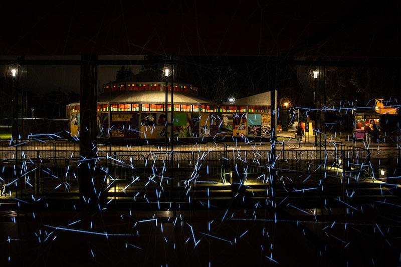 KunstFestSpiele Herrenhausen 2020, Analemma - Lichtinstallation von Yasuhiro Chida, Arne-Jacobsen-Foyer. Foto: Helge Krückeberg